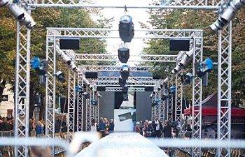 Fashion Industry Aluminum Lighting and Staging Truss