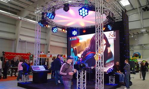 custom circular trade show display booths