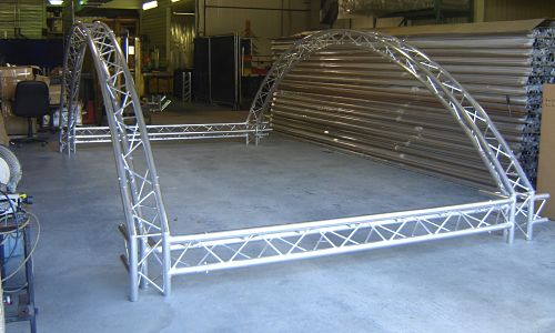 Curved Display Truss